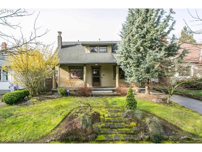 Portland Single Family Home For Sale: 41 NE 43rd Ave