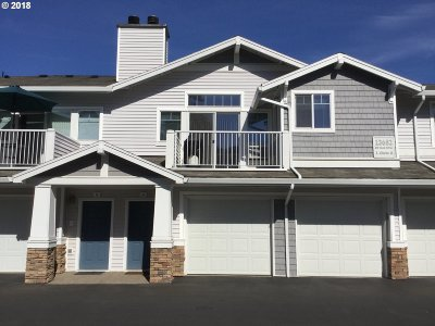 Tigard Condo/Townhouse For Sale: 13682 SW Hall Blvd #4