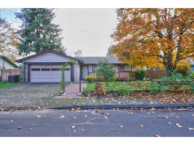 Hillsboro Single Family Home For Sale: 786 NW Forest St