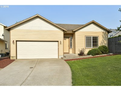Clackamas County Single Family Home For Sale: 39967 Mitchell Ct