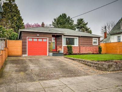 Portland Single Family Home For Sale: 4015 SE 32nd Ave