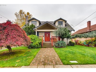 Portland Single Family Home For Sale: 2353 SE 52nd Ave