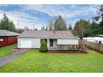 Portland Single Family Home For Sale: 522 SE 113th Ave