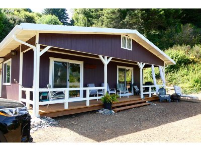 Gold Beach OR Single Family Home For Sale: $249,900