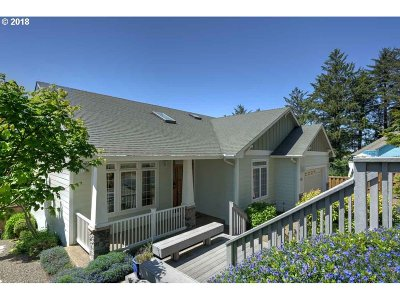 Lincoln City Single Family Home For Sale: 1899 SE Oar Dr