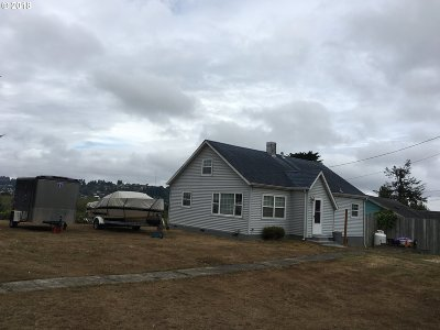 Coos Bay Single Family Home For Sale: 283 1st Ct