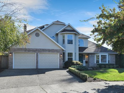 Tualatin Single Family Home For Sale: 10720 SW Kiowa Ct