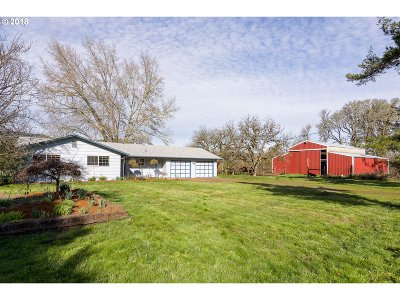 Springfield Single Family Home For Sale: 90114 Marcola Rd