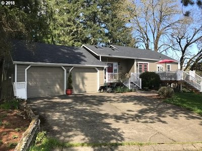 Roseburg Single Family Home For Sale: 602 Doerner Rd
