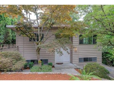 Portland Single Family Home For Sale: 2230 SW Iowa St