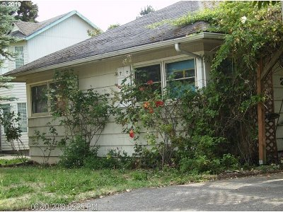 Portland Single Family Home For Sale: 2251 SE 92nd Ave