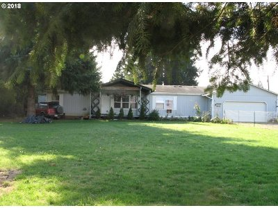 Single Family Home For Sale: 33174 SE Bryant Rd