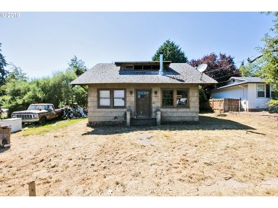 Milwaukie Single Family Home For Sale: 12849 SE 25th Ave