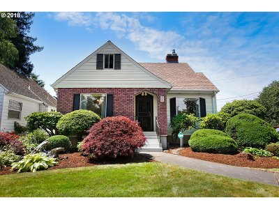 Portland Single Family Home For Sale: 6205 SE 43rd Ave