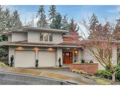 Lake Oswego Single Family Home For Sale: 3106 Rosemary Ln
