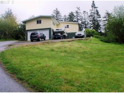 Gold Beach Single Family Home For Sale: 27747 Hwy 101