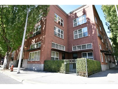 Condo/Townhouse For Sale: 1009 NW Hoyt St #107