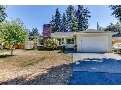 Single Family Home For Sale: 11328 NE Schuyler St