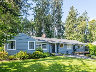 Portland Single Family Home For Sale: 8690 SW White Pine Ln
