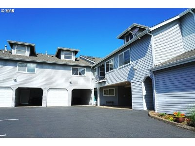 Condo/Townhouse For Sale: 2555 NW Inlet Ave
