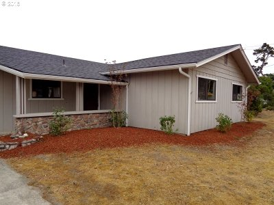 North Bend Single Family Home For Sale: 1997 Oak