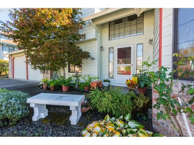 Single Family Home For Sale: 1744 SW 26th Ct