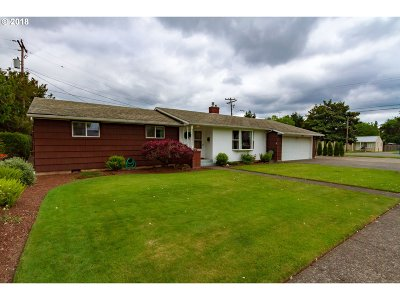Stayton Single Family Home Sold: 1078 N Douglas Ave