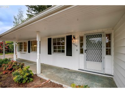Single Family Home For Sale: 9860 SW McMillan St
