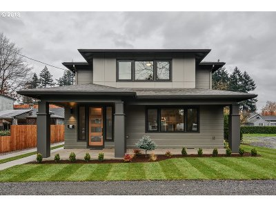 Multnomah County Single Family Home For Sale: 6640 SE 51st Ave