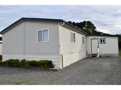 Gold Beach Single Family Home For Sale: 94120 Strahan St #56