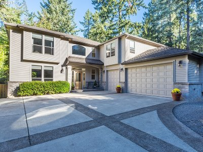 Lake Oswego Single Family Home For Sale: 4305 Upper Dr