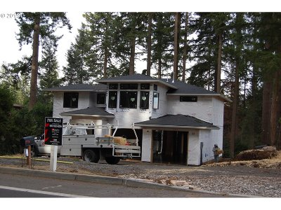 West Linn Single Family Home For Sale: 6175 Skyline Dr