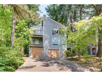 Lake Oswego Condo/Townhouse For Sale: 247 Cervantes