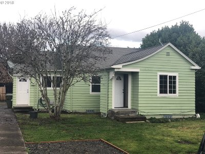Cowlitz County Single Family Home For Sale: 3368 Ocean Beach Hwy