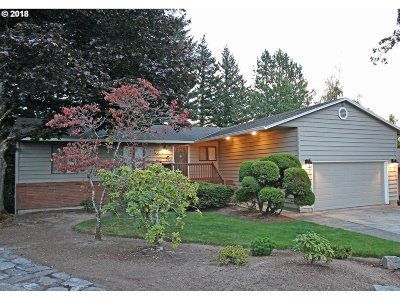 Troutdale Single Family Home For Sale: 1551 SE 27th Ct