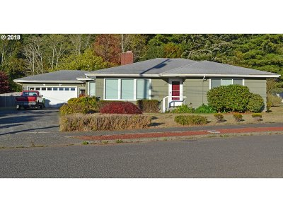 Coos Bay Single Family Home For Sale: 1896 Cottonwood