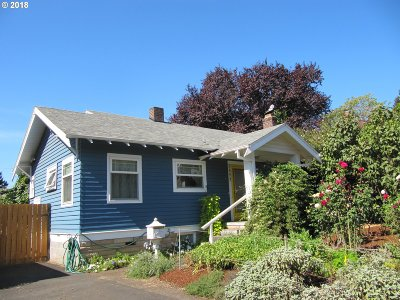 Multnomah County, Washington County, Clackamas County Single Family Home For Sale: 3857 SE 41st Ave