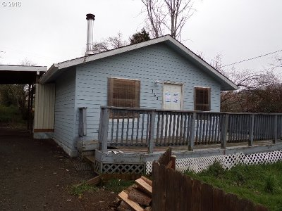 Roseburg OR Single Family Home For Sale: $115,900