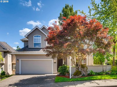 Lake Oswego Single Family Home For Sale: 28 Morningview Cir