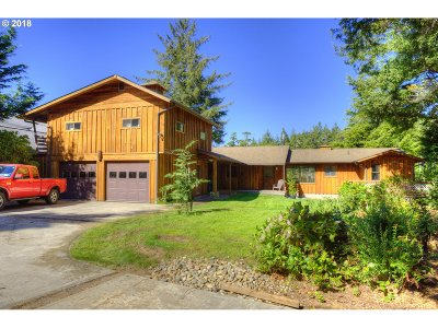 Bandon Single Family Home For Sale: 88577 Weiss Estates Ln