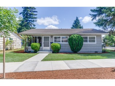 Portland Single Family Home For Sale: 6632 SE 77th Ave