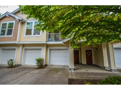 Beaverton Single Family Home For Sale: 7298 SW Manor Way #E