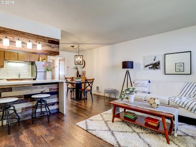 Portland Condo/Townhouse For Sale: 2028 NE Hancock St
