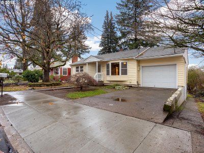 Camas Single Family Home For Sale: 1930 NE Adams St