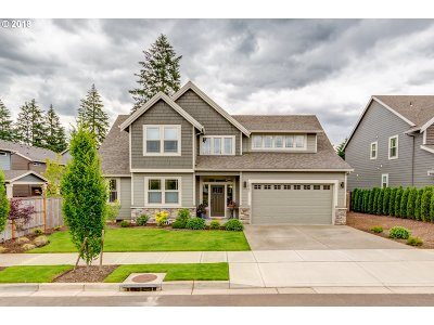 Clackamas County Single Family Home For Sale: 19763 Cedarwood Way