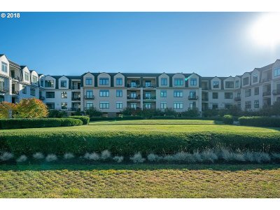 Condo/Townhouse For Sale: 707 N Hayden Island Dr #327