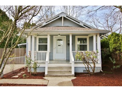 Portland Single Family Home For Sale: 4327 SE 74th Ave