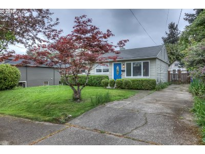 Portland Single Family Home For Sale: 9016 N Drummond Ave