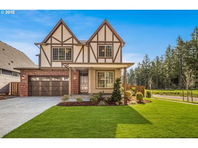 Happy Valley, Clackamas Single Family Home For Sale: 9860 SE Nicholas Dr