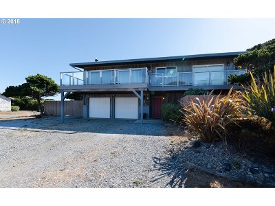 Bandon Single Family Home For Sale: 1015 Beach Loop Dr SW